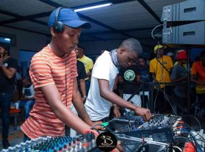 157697369 875593482998104 6421522200135114011 o 300x223 - Skroef28 & Nkulee 501 – Top Dawg Sessions Mix