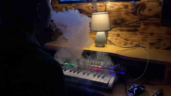 E1A14L6WYAITeQv 600x337 - Mick-Man & JayLokas – Keep On Dreaming Sessions